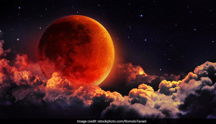 vm05d24_chandra-grahan-lunar-eclipse_625x300_26_July_18